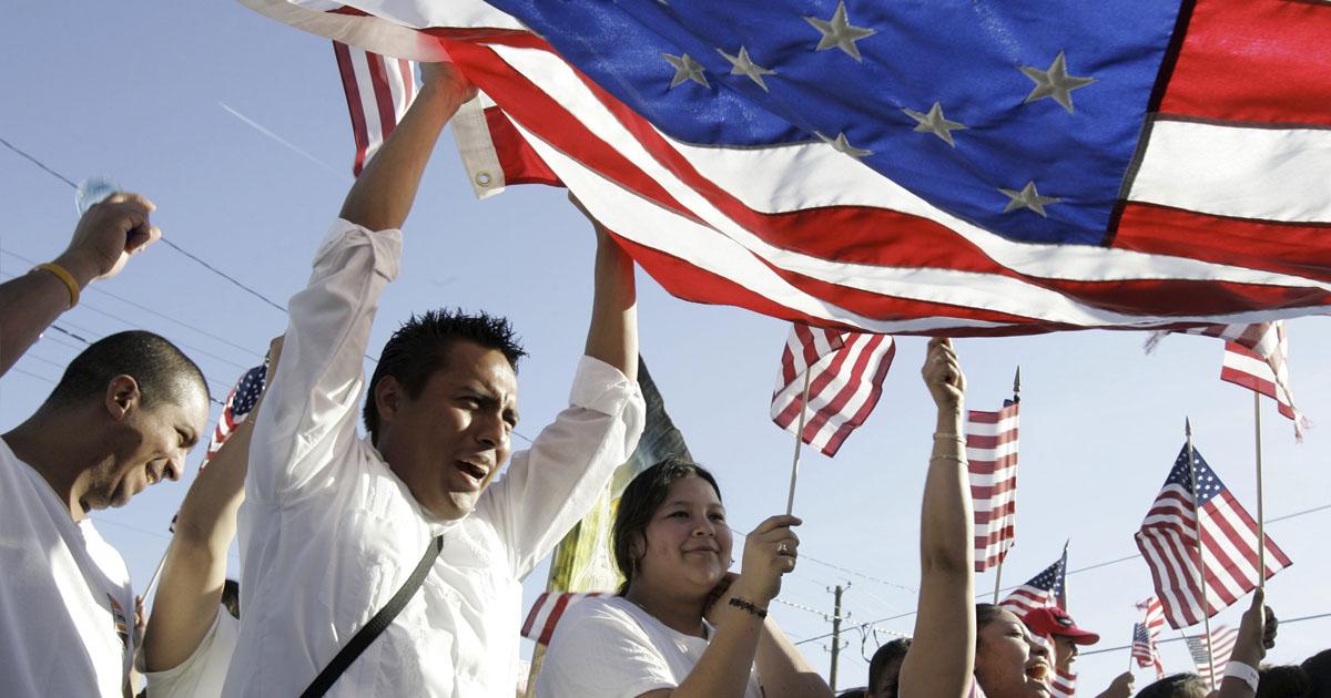 Ciudadanía de Estados Unidos - Abogados de Inmigración Houston USA