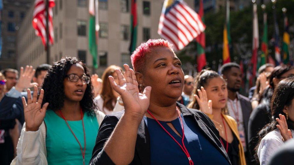 ¿Cómo convertirse en ciudadano estadounidense? Abogados USA Inmigración